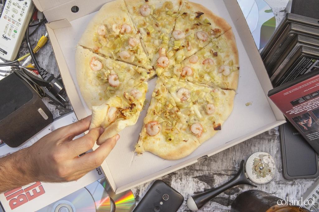 Pizza de puerro y gambas